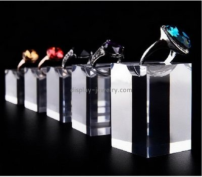 Customized acrylic rotating jewelry display stand acrylic jewelry display stand ring display stand RDJ-006