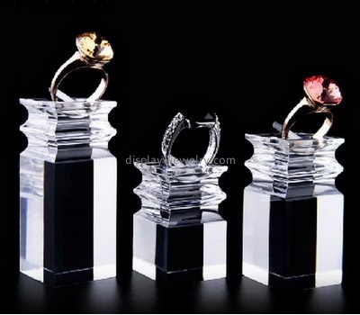 Hot sale acrylic fashion jewelry display stands acrylic display holder ring display RDJ-012