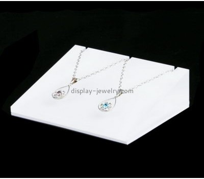 Custom retail acrylic displays jewelry display items white necklace holder NDJ-053