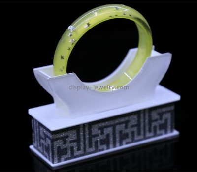 Custom acrylic jewelry display products bangle holder stand BDJ-054