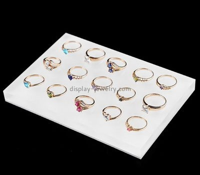 Jewelry display manufacturers customized large acrylic block wedding ring holder necklace RDJ-164