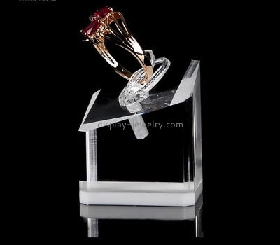 Lucite manufacturer customized solid clear acrylic ring display blocks RDJ-203