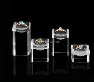Perspex manufacturers customized acrylic cubes ring display stand JDK-211