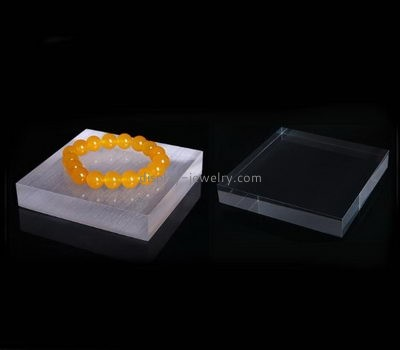 Plastic suppliers custom lucite cubes for display bracelets BDJ-233