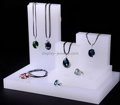 Customize lucite retail jewelry display NDJ-536