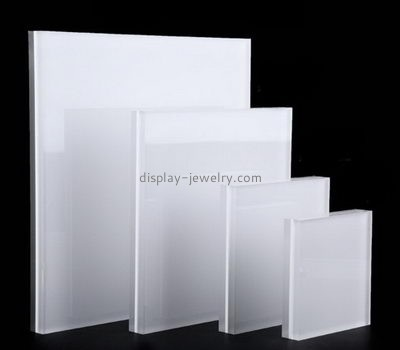 Customize lucite white necklace display stand NDJ-592